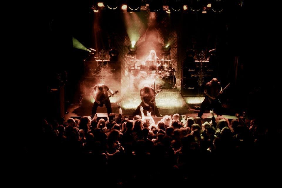 """NO CLEAN SINGING » NEW HYPOCRISY: """"TALES OF THY SPINELESS"""" IN ...: http://www.nocleansinging.com/2013/04/04/new-hypocrisy-tales-of-thy-spineless-in-video/"""