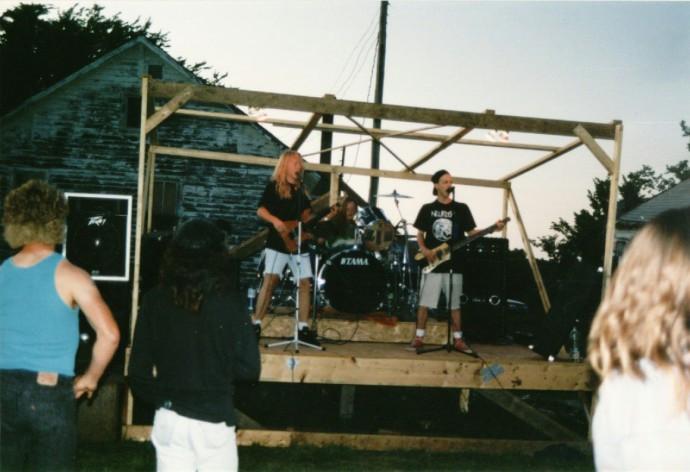 Derek performing 1992