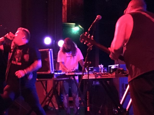 Krieg and The Body28