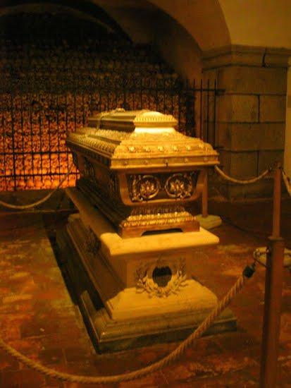 bruckner-casket